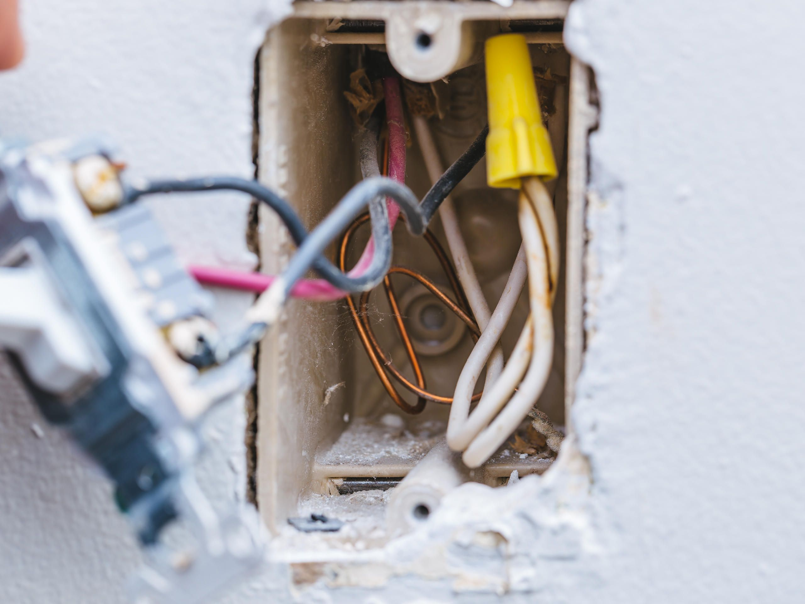 Strange Swap Out Those Old Crappy 3 Way Light Switches For Good Cnet Wiring Cloud Inklaidewilluminateatxorg