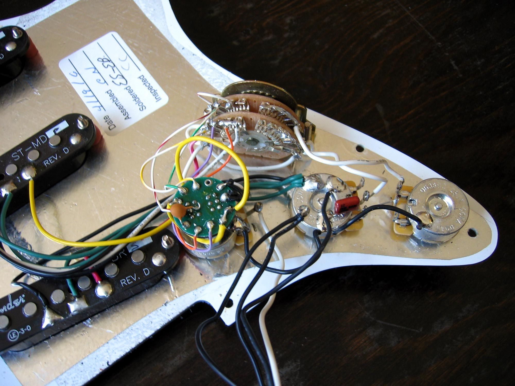 Groovy Fender Deluxe Stratocaster W S 1 Switch Wiring Diagram Guitar Wiring Cloud Eachirenstrafr09Org