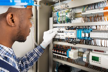 Admirable How To Check A Fuse At The Home Fuse Box Home Guides Sf Gate Wiring Cloud Icalpermsplehendilmohammedshrineorg
