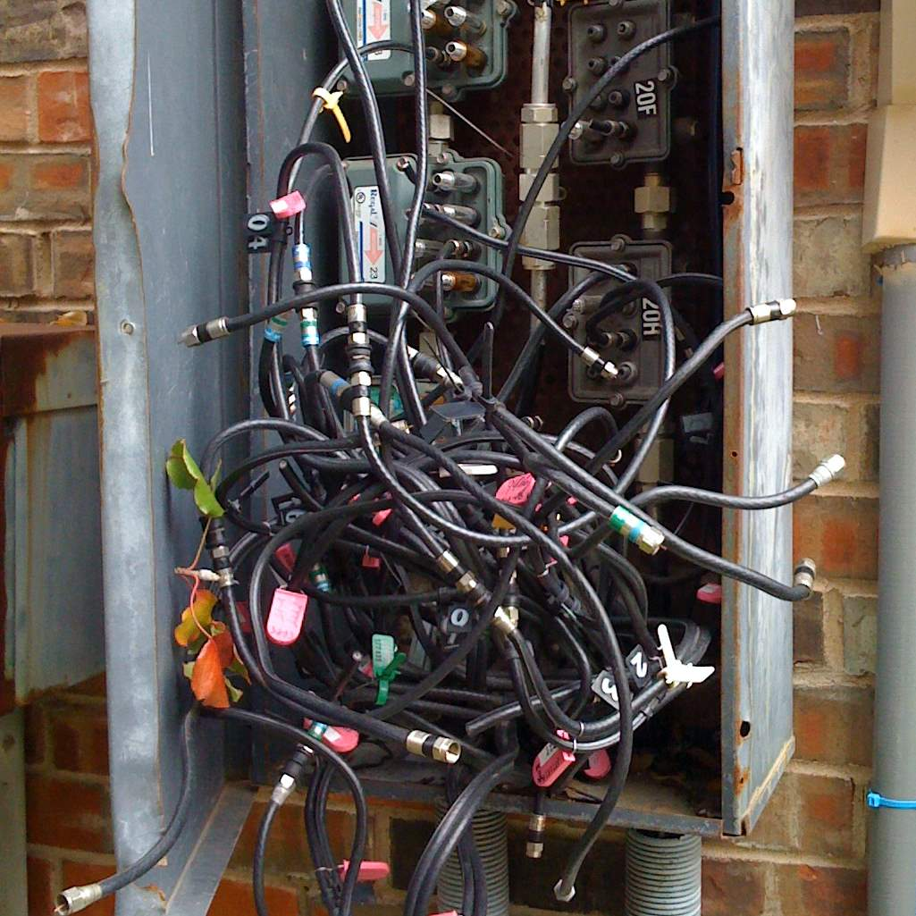 Outstanding Anyone Know How Apts Are Wired For Cable Turn On Connect System Wiring Cloud Uslyletkolfr09Org