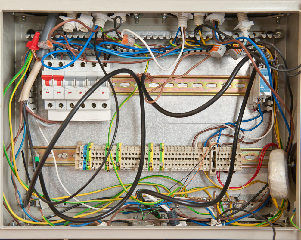 Terrific 8 Signs You May Have A Problem With Your Electrical Wiring Safebee Wiring Cloud Domeilariaidewilluminateatxorg