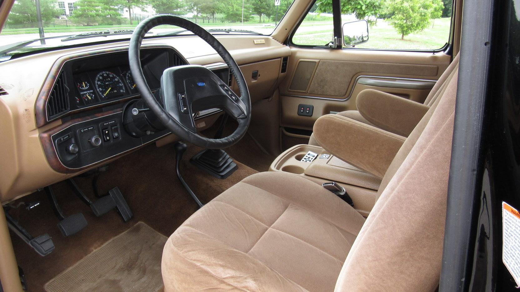 Ford Bronco Eddie Bauer Interior