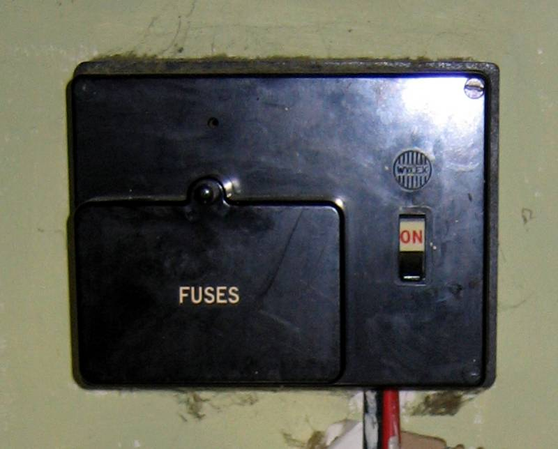 wylex standard fuse box mg 6265  fuse box together with electrical fuse porcelain fuse  fuse box together with electrical fuse