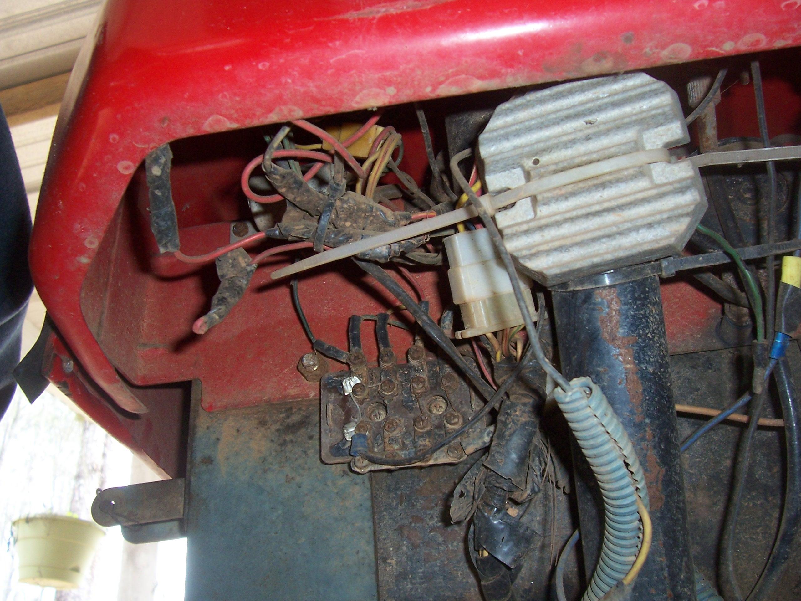 [DIAGRAM_5UK]  XH_3570] Fuse Box For Kubota L3710 Schematic Wiring   Kubota Rv T900 Fuse Box      Vell Alia Coun Subd Nuvit Atota Emba Mohammedshrine Librar Wiring 101