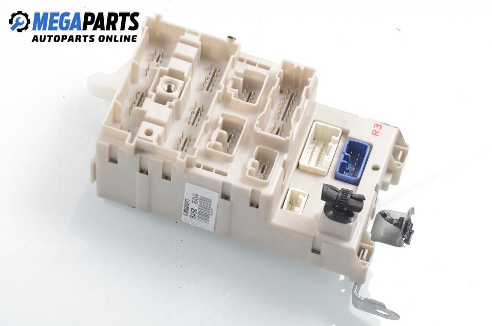 Surprising Fuse Box For Toyota Rav4 Xa20 2 0 4Wd 150 Hp 3 Doors 2002 Price Wiring Cloud Rineaidewilluminateatxorg