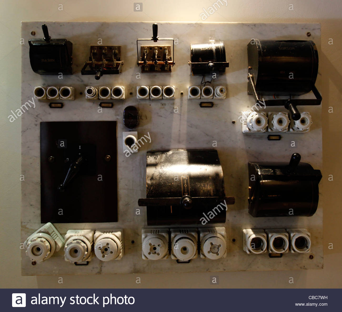 Ns 2886 Antique Fuse Box With Fuses Wiring Diagram