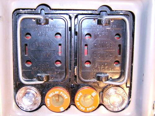 Phenomenal Fuse Plug Box Basic Electronics Wiring Diagram Wiring Cloud Licukshollocom