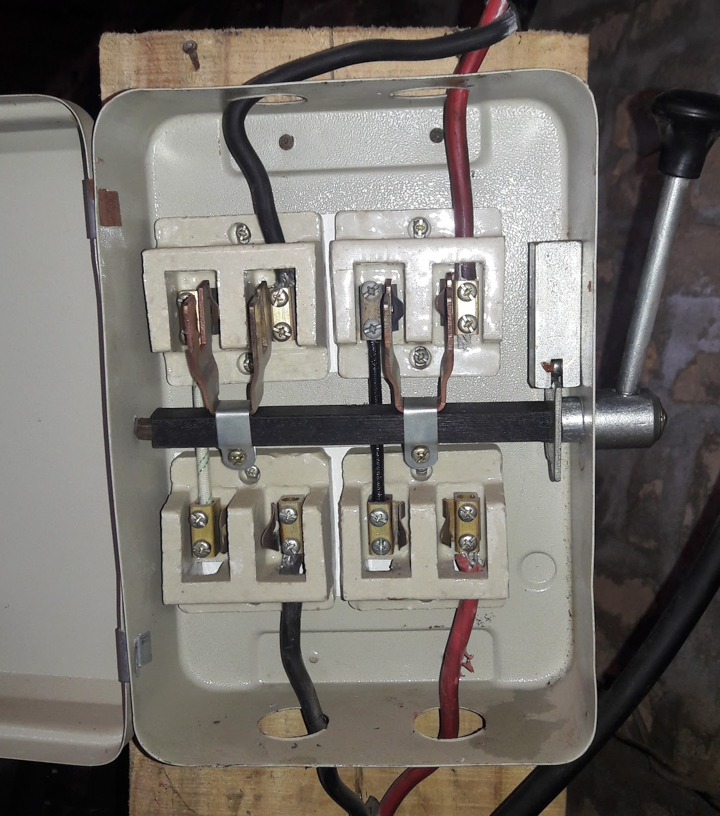 LE_1353] Generator Transfer Switch 300X231 Generator Transfer Switch  Diagram Schematic WiringChro Ehir Vesi Xrenket Rect Mohammedshrine Librar Wiring 101