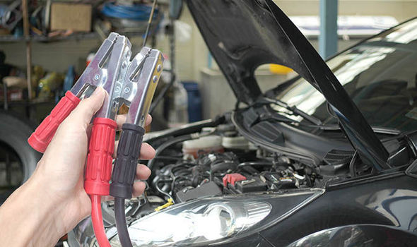 Stupendous Car Battery How To Recharge Flat Battery And Avoid It From Going Wiring Cloud Loplapiotaidewilluminateatxorg
