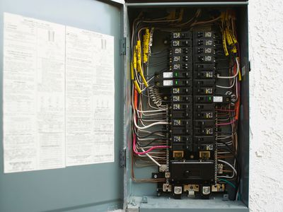 Amazing How To Wire And Install An Electrical Outlet Wiring Cloud Waroletkolfr09Org